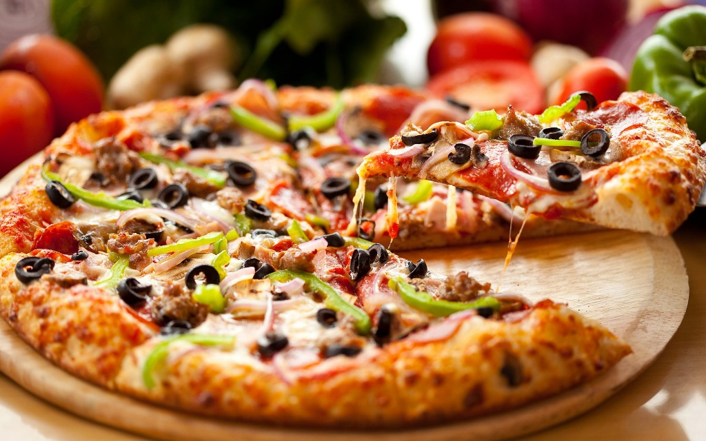 A delicious pizza - Photo by: Michael Stern - Source: Flickr Creative Commons
