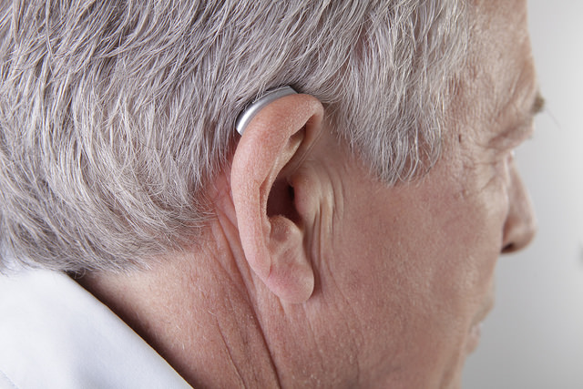 Hearing Aid - Photo by: Bundesinnung Hörgeräteakustiker Copyright: biha 2015 - Source: Flickr Creative Commons