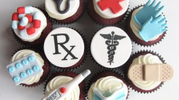 Doctor Themed Cupcakes - Photo by: Clever Cupcakes - Source: Flickr Creative Commons